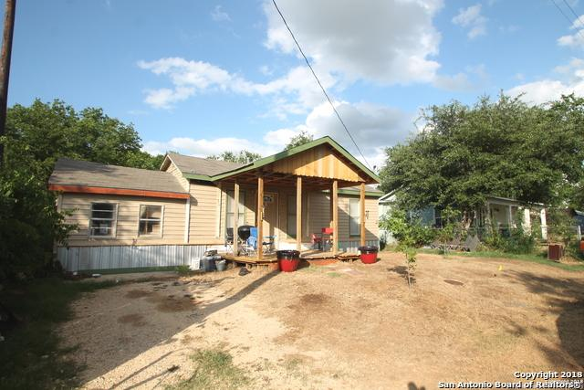 1310 S 4TH ST, Floresville, TX 78114 (MLS #1313490) :: Magnolia Realty