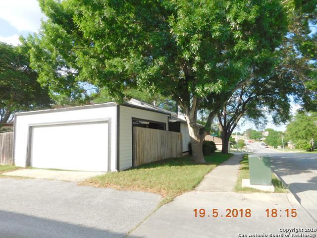 601 Meadow Arbor Ln, Universal City, TX 78148 (MLS #1313558) :: Magnolia Realty