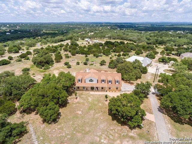 103 Hoskins Trail, Boerne, TX 78006 (MLS #1313939) :: Tami Price Properties Group