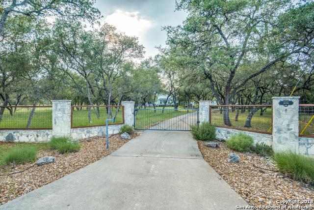 606 Sandy Oaks Dr, Boerne, TX 78015 (MLS #1314142) :: The Castillo Group