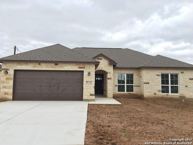 133 North First St, Floresville, TX 78114 (MLS #1314412) :: The Castillo Group