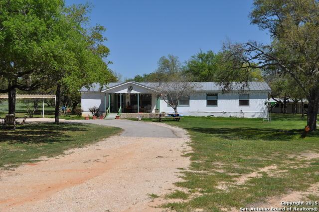 143 County Road 7722, Natalia, TX 78059 (MLS #1314946) :: Neal & Neal Team