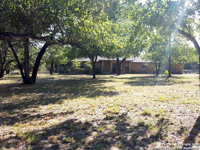 115 Harvest Ln, Floresville, TX 78114 (MLS #1315566) :: Exquisite Properties, LLC