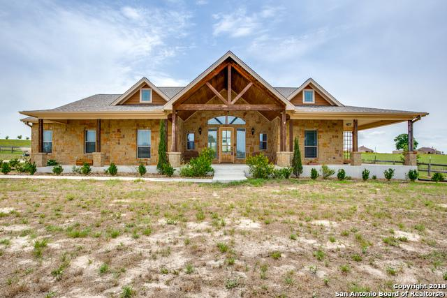 149 Triple R Dr, La Vernia, TX 78121 (MLS #1316440) :: The Castillo Group