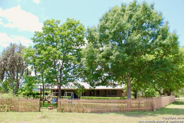 810 County Road 131, Bandera, TX 78003 (MLS #1316550) :: Tom White Group