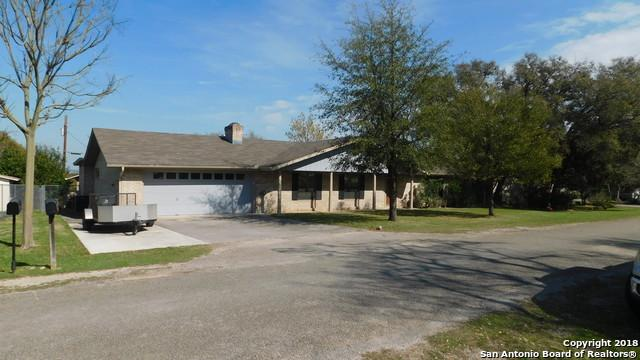114 Creekview Dr, Canyon Lake, TX 78133 (MLS #1316652) :: Erin Caraway Group
