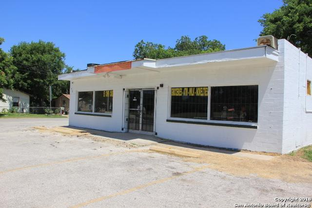 702 San Antonio Ave, Seguin, TX 78155 (MLS #1316805) :: Tom White Group