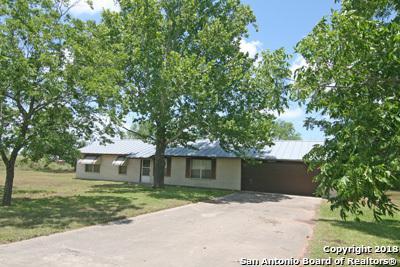 776 County Road 7611, Devine, TX 78016 (MLS #1317106) :: Exquisite Properties, LLC