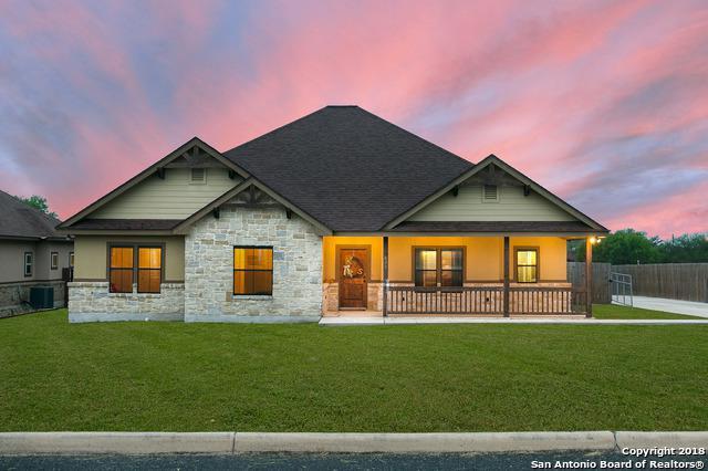 631 N Dickson St, Poth, TX 78147 (MLS #1317954) :: Exquisite Properties, LLC