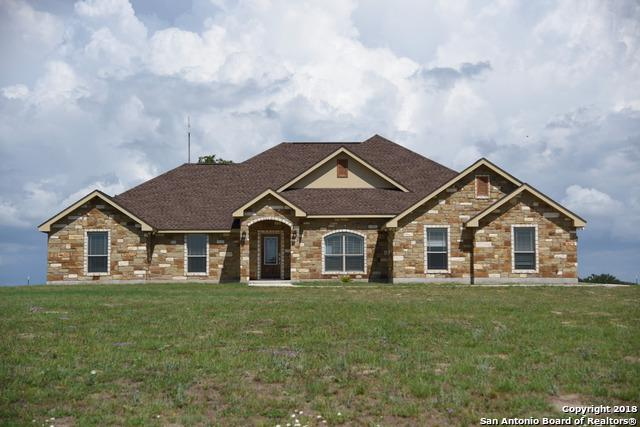 161 Triple Bend, La Vernia, TX 78121 (MLS #1318407) :: The Castillo Group