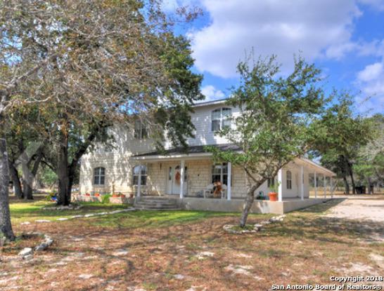 393 Cimarron Dr, Floresville, TX 78114 (MLS #1319073) :: Exquisite Properties, LLC