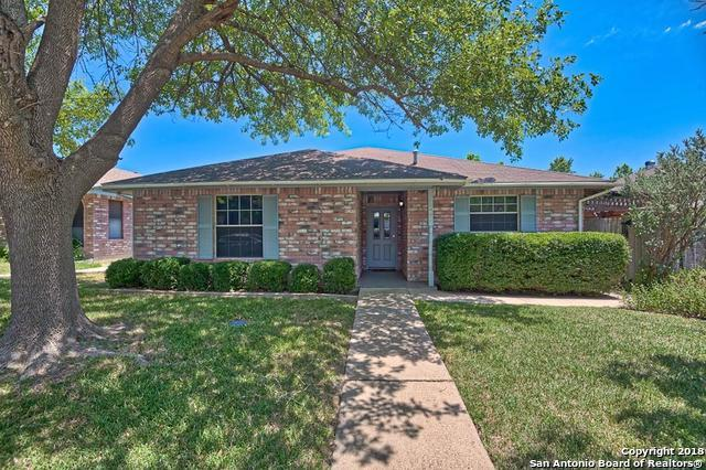 205 Oak Hill Dr, Kerrville, TX 78028 (MLS #1319185) :: Vivid Realty