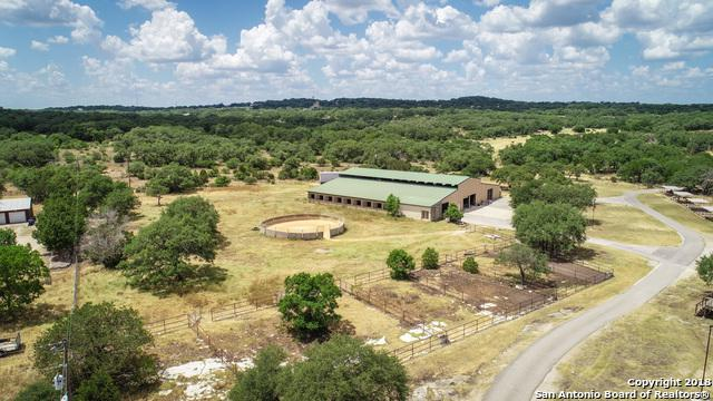 3220 Rolling Oaks Dr, New Braunfels, TX 78132 (MLS #1319477) :: Neal & Neal Team