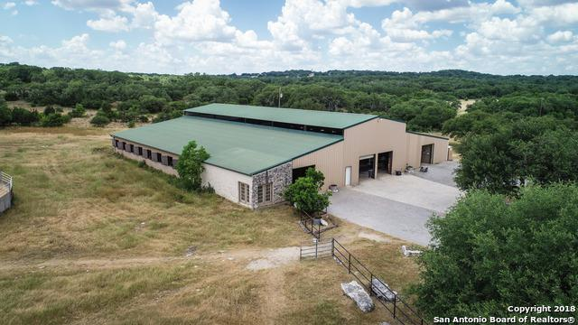 3220 Rolling Oaks Dr, New Braunfels, TX 78132 (MLS #1319684) :: Neal & Neal Team