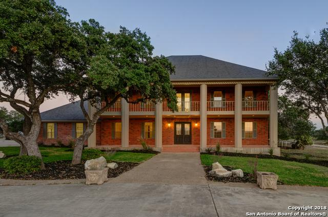 3220 Rolling Oaks Dr, New Braunfels, TX 78132 (MLS #1319705) :: Alexis Weigand Real Estate Group