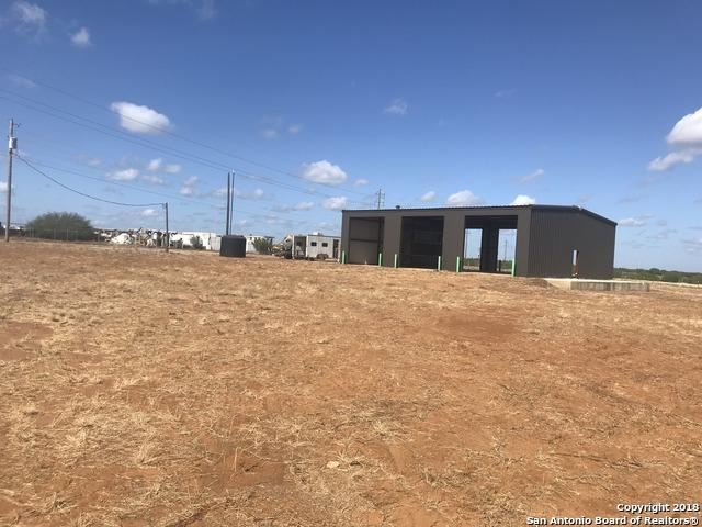 1770 W Highway 85, Dilley, TX 78017 (MLS #1319796) :: Tom White Group