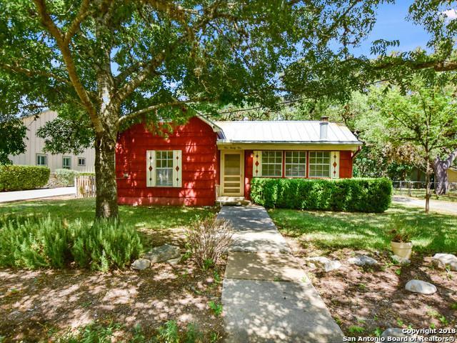 121 2ND ST, Boerne, TX 78006 (MLS #1319830) :: Exquisite Properties, LLC