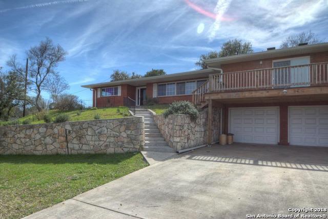 825 Golf St., Kerrville, TX 78028 (MLS #1319983) :: Berkshire Hathaway HomeServices Don Johnson, REALTORS®
