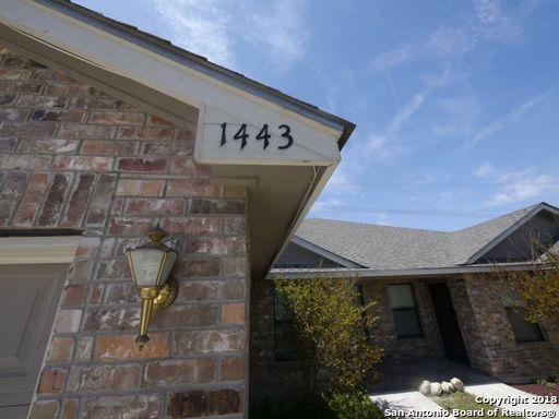 1443 Frio Run, San Antonio, TX 78245 (MLS #1319991) :: Berkshire Hathaway HomeServices Don Johnson, REALTORS®