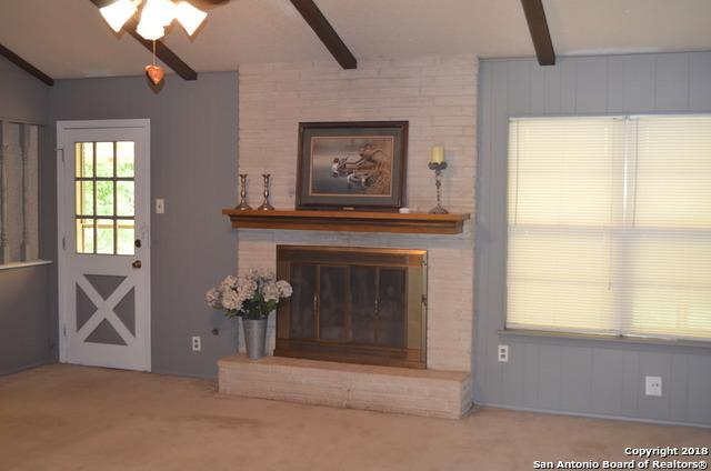 145 Sage Dr, Universal City, TX 78148 (MLS #1320156) :: ForSaleSanAntonioHomes.com
