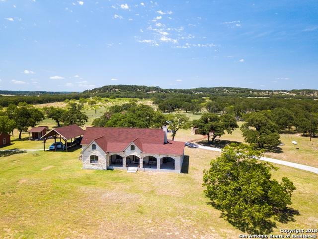 916 Middle Creek Rd, Fredericksburg, TX 78624 (MLS #1320286) :: The Castillo Group