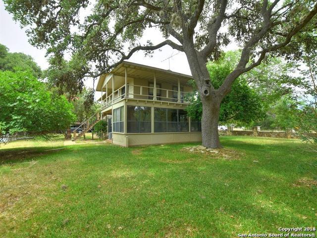 2454 Lakeshore Dr, Canyon Lake, TX 78133 (MLS #1320329) :: Erin Caraway Group