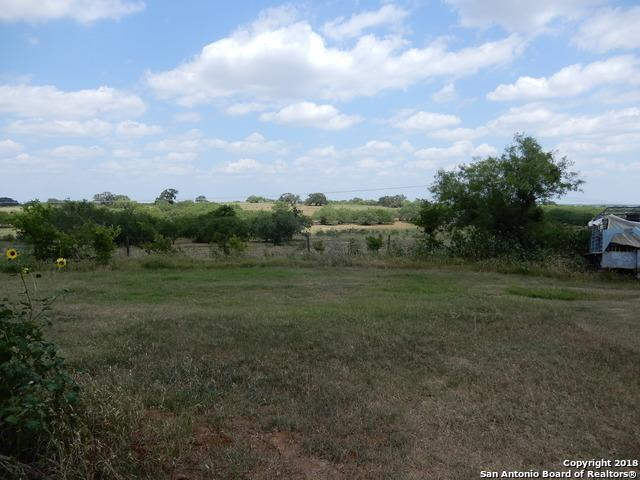 489 County Road 144, Floresville, TX 78114 (MLS #1320403) :: Neal & Neal Team