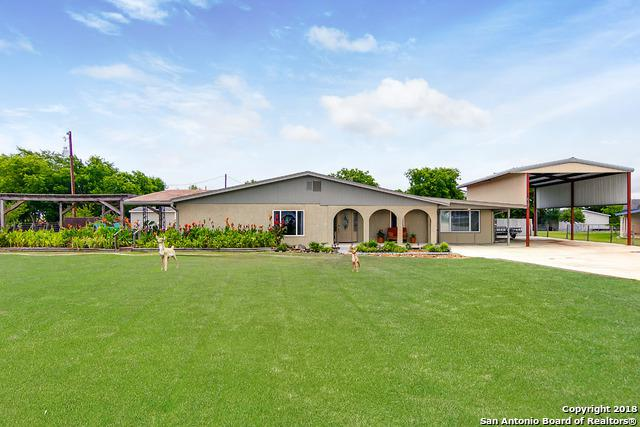 341 Stagecoach Hill Dr, Seguin, TX 78155 (MLS #1320594) :: Erin Caraway Group