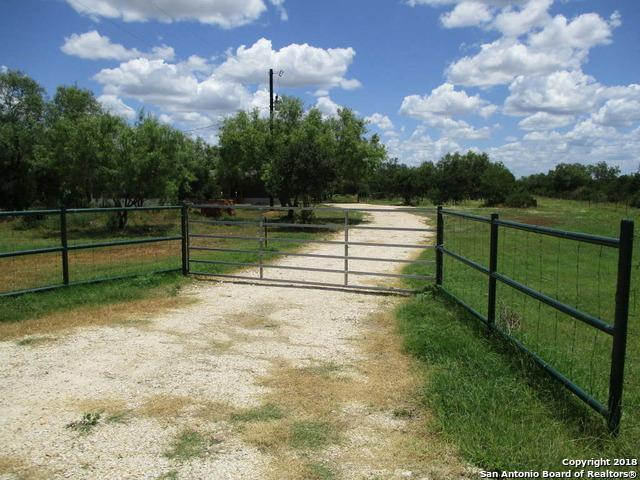 332 County Road 642, Hondo, TX 78861 (MLS #1320614) :: Tom White Group