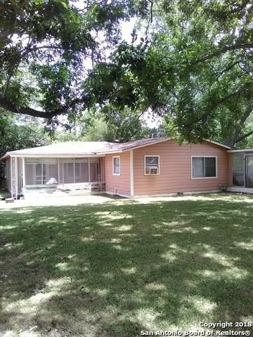 1237 Bert St, Seguin, TX 78155 (MLS #1320871) :: Erin Caraway Group