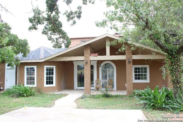 725 Nottingham Dr, Poteet, TX 78065 (MLS #1321121) :: The Castillo Group