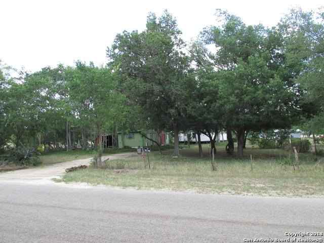 468 County Road 357, Utopia, TX 78884 (MLS #1321413) :: NewHomePrograms.com LLC