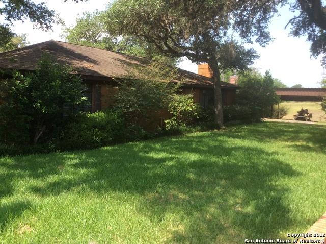 1075 W State Highway 71, LaGrange, TX 78945 (MLS #1321418) :: ForSaleSanAntonioHomes.com