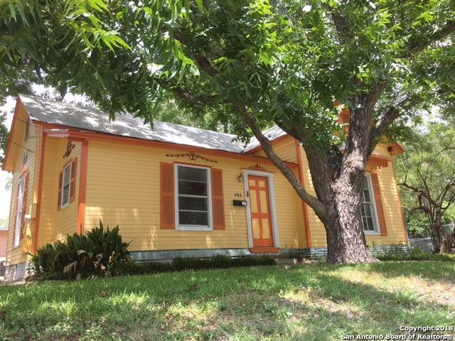 392 N Mesquite Ave, New Braunfels, TX 78130 (MLS #1321441) :: NewHomePrograms.com LLC
