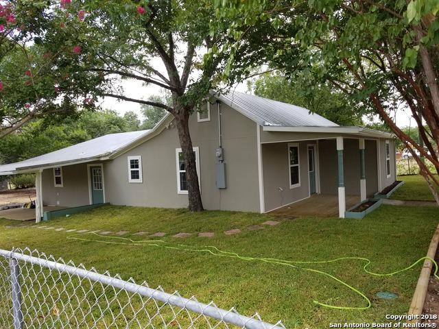 701 Libold Dr, Devine, TX 78016 (MLS #1323374) :: Tom White Group