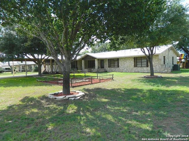 207 Bluebonnet Ln, San Antonio, TX 78223 (MLS #1324298) :: Alexis Weigand Real Estate Group