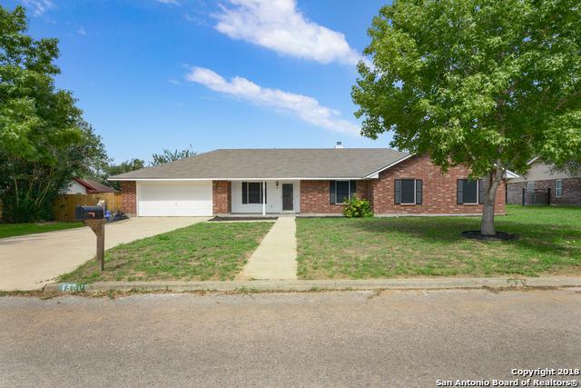 1359 Meadowlark, Pleasanton, TX 78064 (MLS #1325570) :: Magnolia Realty