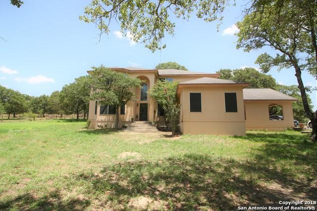 268 Saddle Ln, Floresville, TX 78114 (MLS #1325657) :: Erin Caraway Group