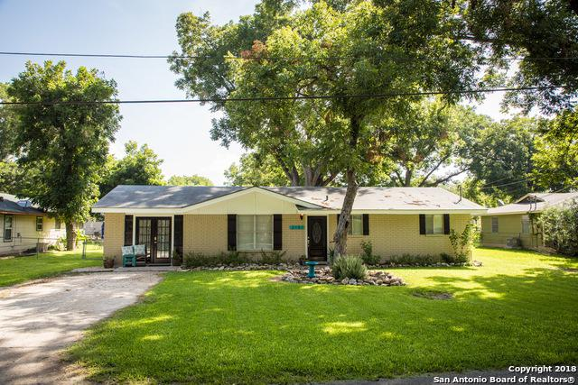2151 Gruene Rd, New Braunfels, TX 78130 (MLS #1325708) :: Magnolia Realty