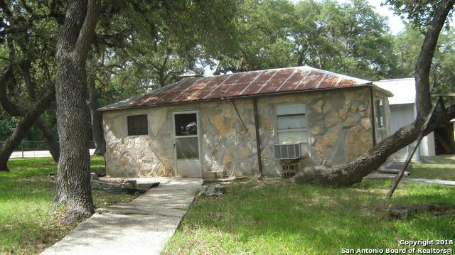 507 W Clark St, Canyon Lake, TX 78133 (MLS #1325989) :: Erin Caraway Group