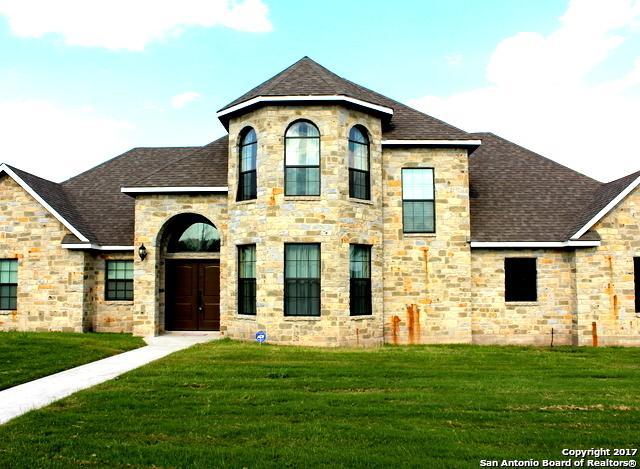 817 Chula Vista St, Karnes City, TX 78118 (MLS #1327109) :: Tom White Group