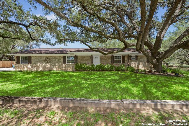 120 Live Oak Dr, Pleasanton, TX 78064 (MLS #1327159) :: Tom White Group