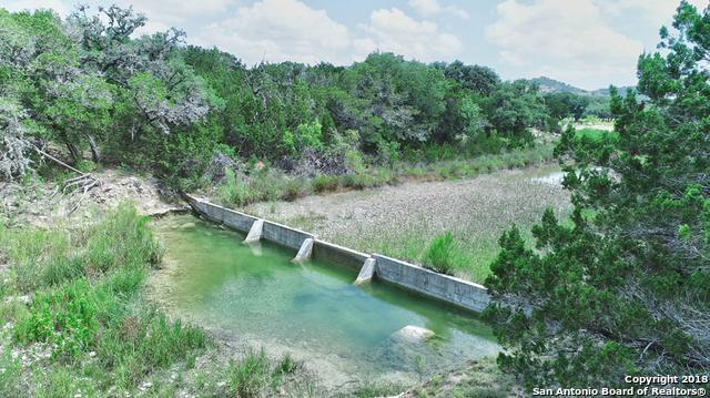 252 Heartland Ln, Pipe Creek, TX 78063 (MLS #1327217) :: Alexis Weigand Real Estate Group