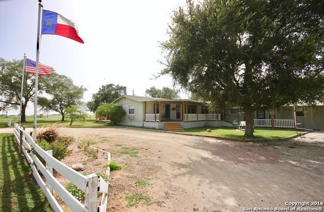 302 Sunshine Dr, Poth, TX 78147 (MLS #1327234) :: Tom White Group