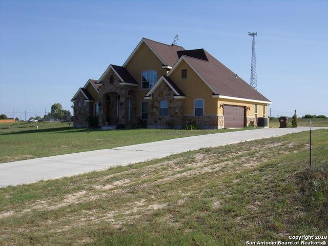 117 Medora Br Dr, Floresville, TX 78114 (MLS #1327542) :: Exquisite Properties, LLC