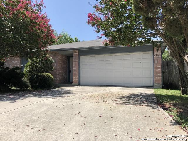 9214 Roquefort, San Antonio, TX 78250 (MLS #1327593) :: Alexis Weigand Real Estate Group