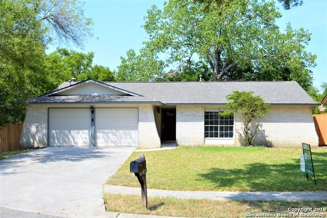 6007 Georgetown Dr, San Antonio, TX 78233 (MLS #1327995) :: The Castillo Group