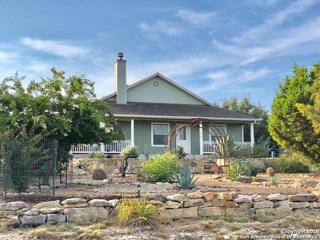 1374 Redwood Rd, Fischer, TX 78623 (MLS #1328407) :: Magnolia Realty