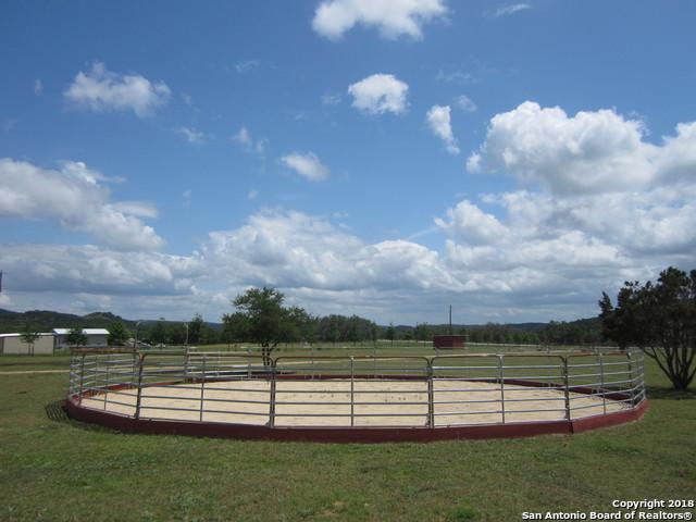 1025 Hills Of Bandera Rd, Bandera, TX 78003 (MLS #1329019) :: Magnolia Realty