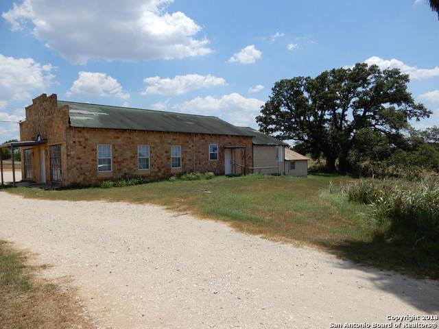 558 Us Highway 181 S, Floresville, TX 78114 (MLS #1329505) :: Tami Price Properties Group